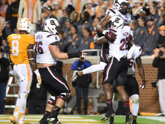 Jonathan Walton celebrates an offensive (!) touchdown. (Photo: greenvilleonline.com)